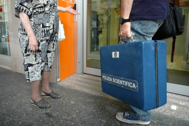 rapina banca unicredit Via Cantore