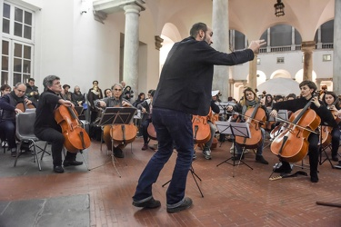 flash mob violoncellisti ducale 29122015