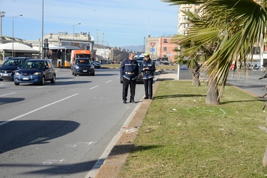 Genova, Foce - incidente tra scooter e automobile