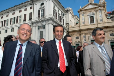 Gianfranco Fini in visita a Genova